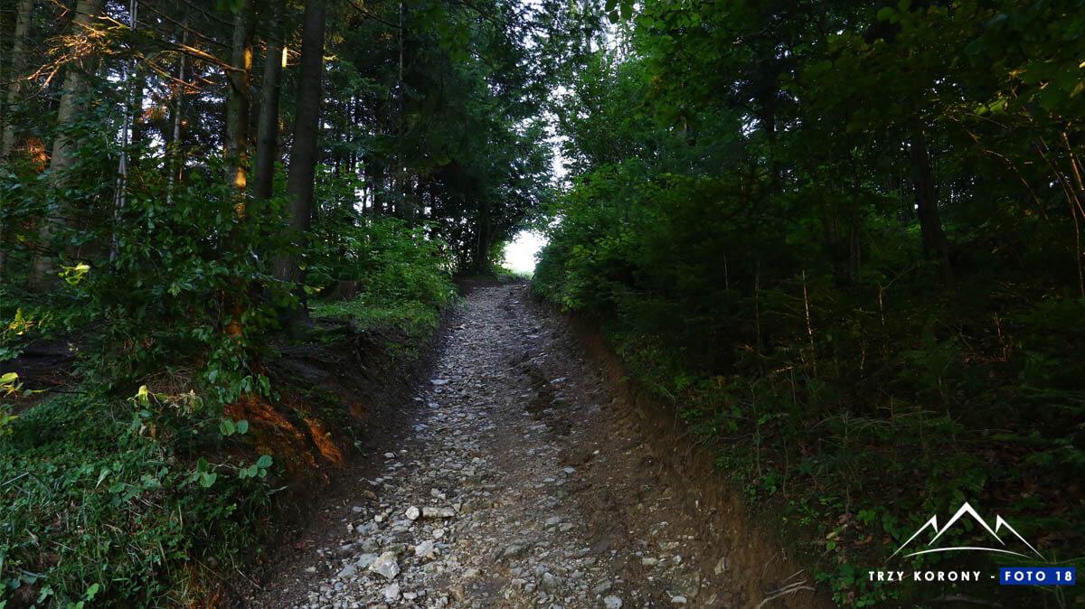 Wejście za przełęczą Sańba
