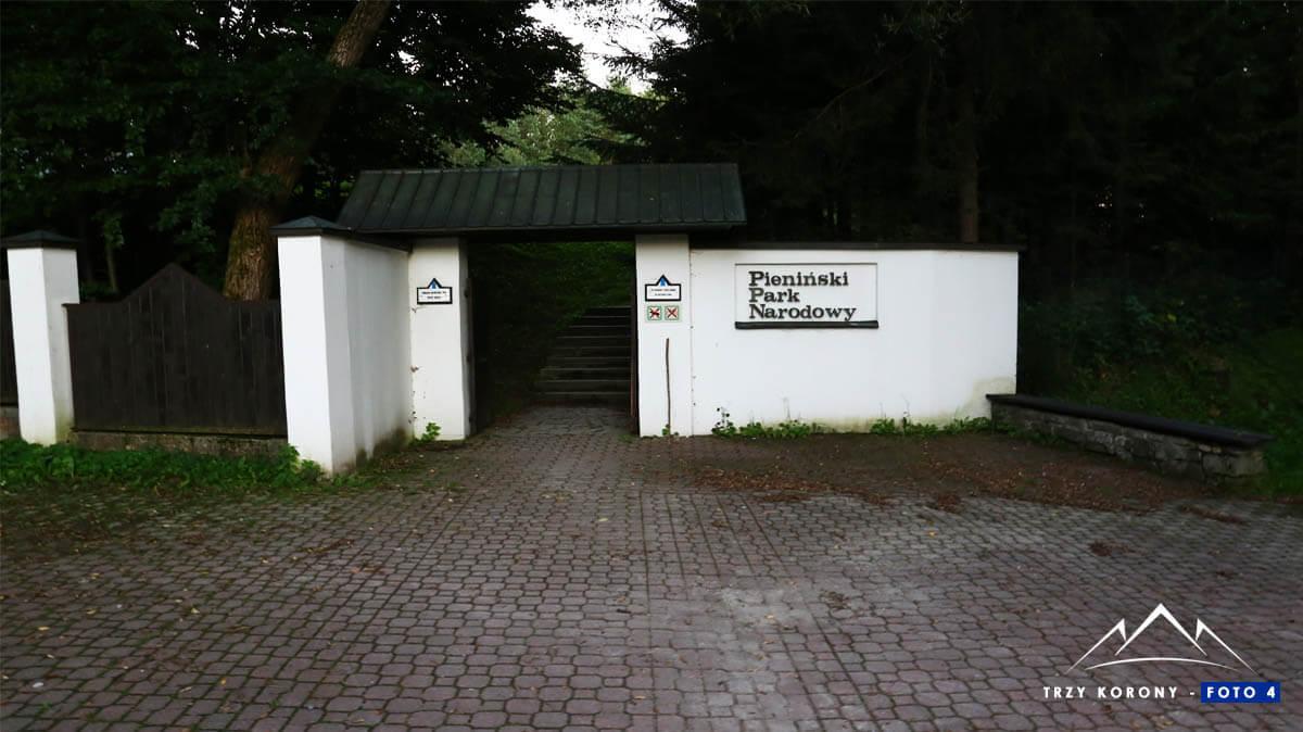 Brama Pieniński Park Narodowy