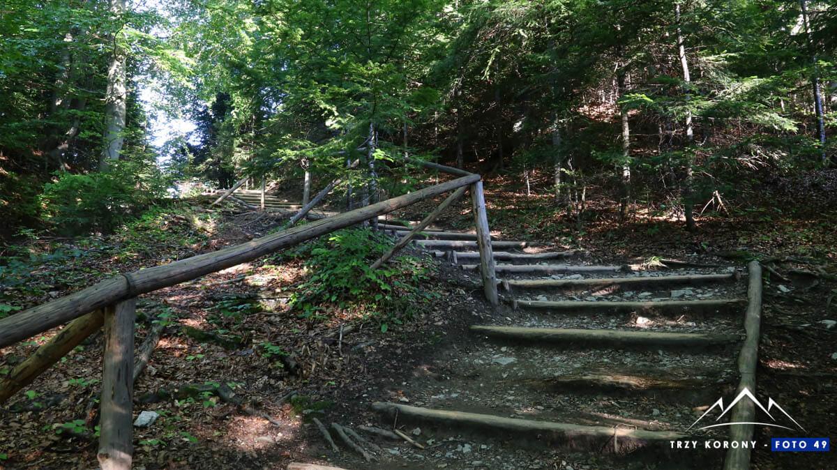 Trzy Korony drewniane schody